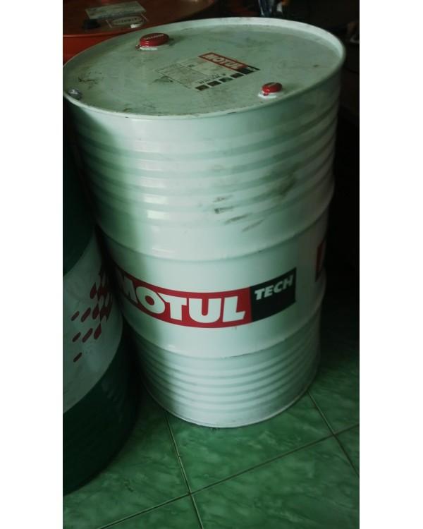 Dầu gia công kim loại không pha nước Motul Surpraco2015